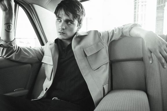 ALAIN FABIEN DELON, THE SON OF THE MOST FAMOUS LOOK IN FRENCH CINEMA, STARS IN THE NEW MANGO MAN EDITORIAL - 12