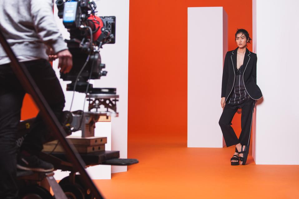 MANGO REVIVES THE 90s WITH LIU WEN AND THE SOFT MINIMAL TREND - 01