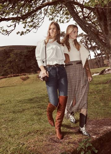 """SHARED MOMENTS"", MANGO'S AW19 CAMPAIGN, REFLECTS THE INTIMATE NATURE OF MOMENTS SPENT TOGETHER"