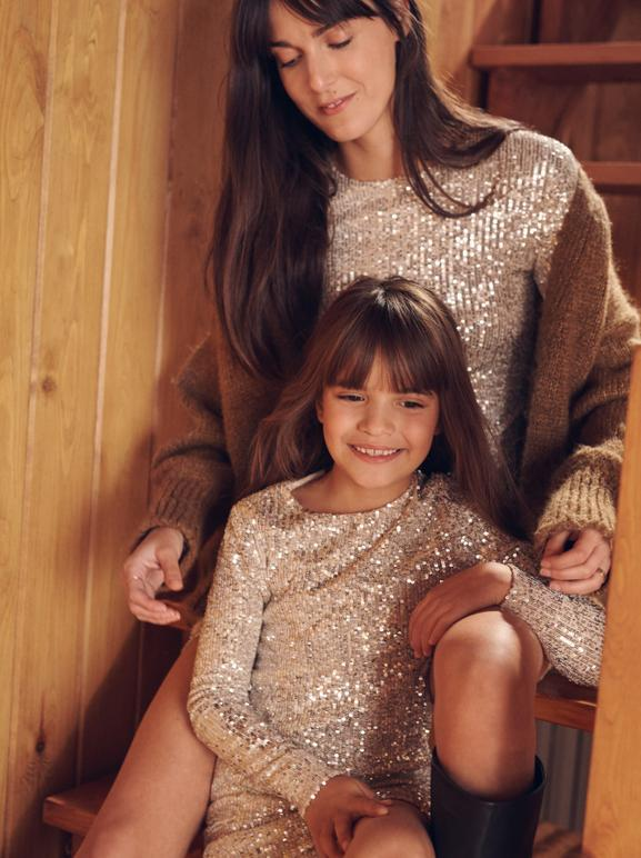 LEIA SFEZ & HER DAUGHTER INDIA SHARE THEIR WARDROBE (AND MOMENTS) DURING THIS FESTIVE PERIOD. WHO IS WHO? - 11