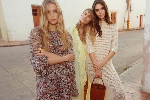 "THE MANGO SS20 CAMPAIGN CONTINUES THE ""SHARED MOMENTS"" CONCEPT, REFLECTING THE INTIMATE NATURE OF MOMENTS SPENT TOGETHER - 04"