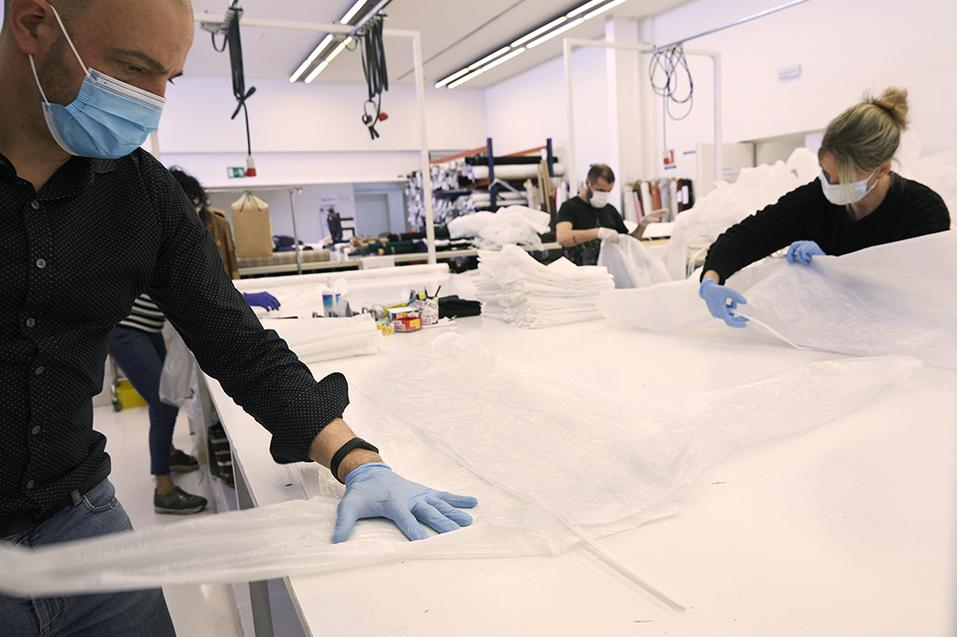 MANGO IS TO MANUFACTURE 13,000 GOWNS FOR HEALTHCARE TEAMS - 04